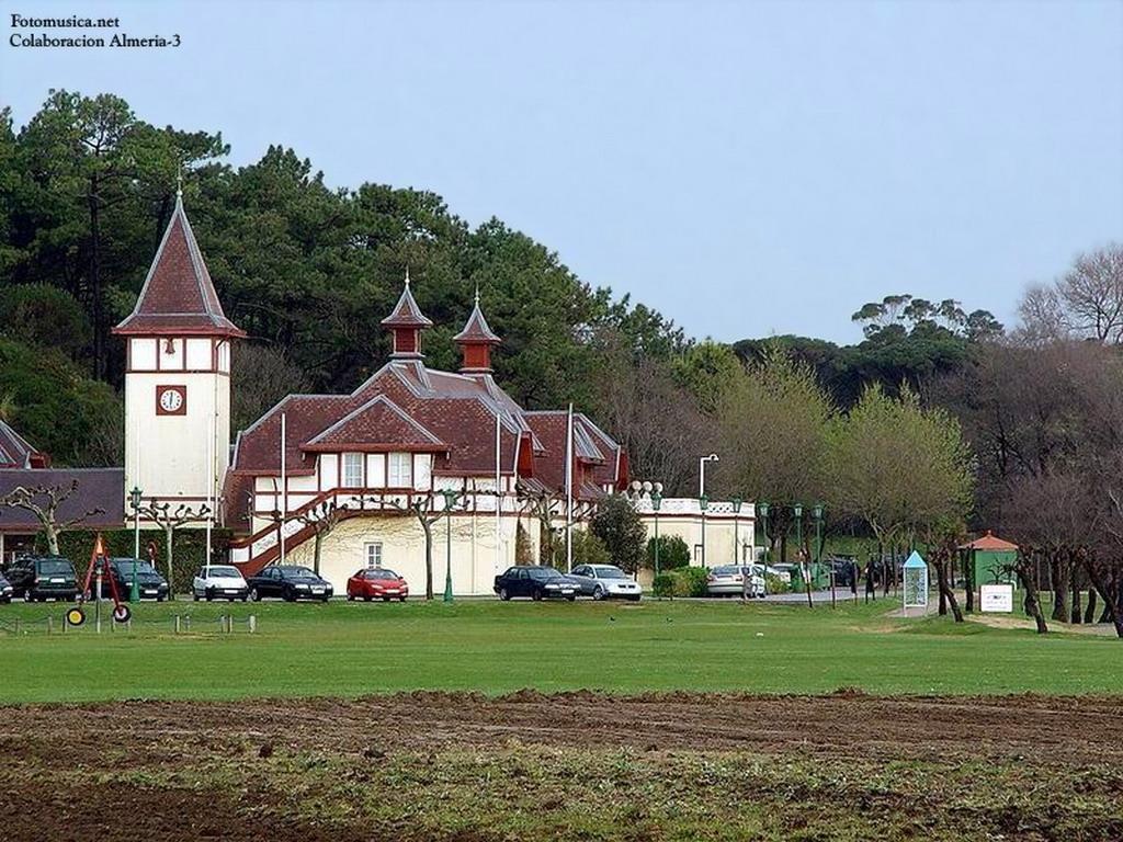Palacio de la Magdalena. Caballerizas reales. Santander