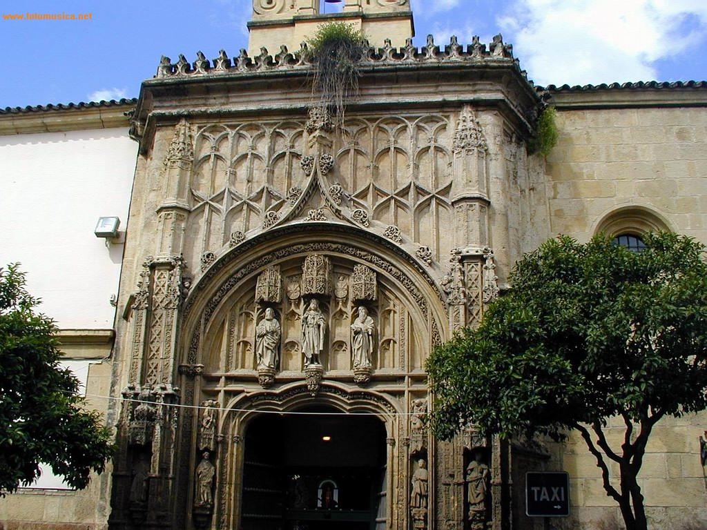 Fachada del antiguo Hospital Mayor de San Sebastián - Córdoba