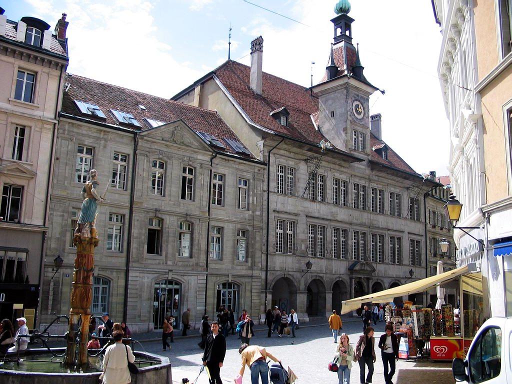 Ayuntamiento de lausana suiza for Ayuntamiento de villel de mesa